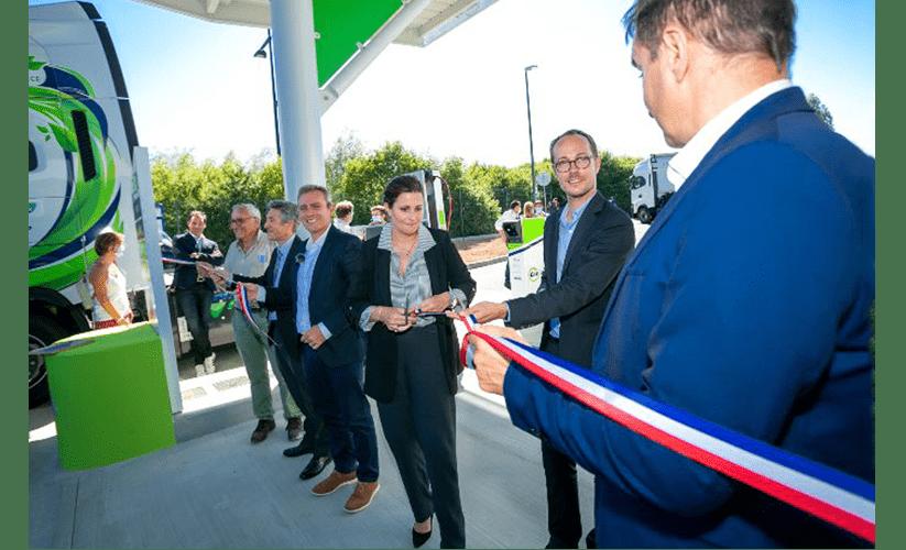 Station-service GNV/BioGNV : gaz renouvelable, transport durable.